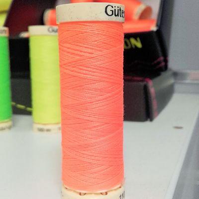 Gutermann-polyester-100m-neon-orange-fluo