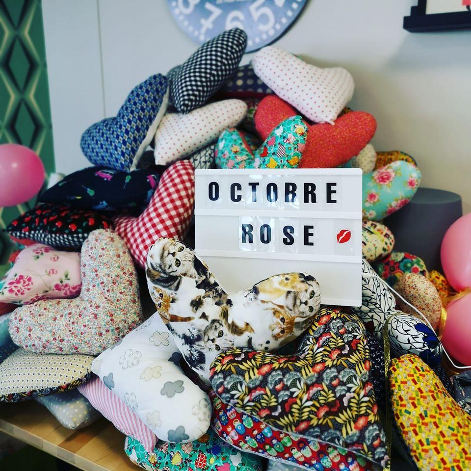150 coussins cœur pour Octobre Rose