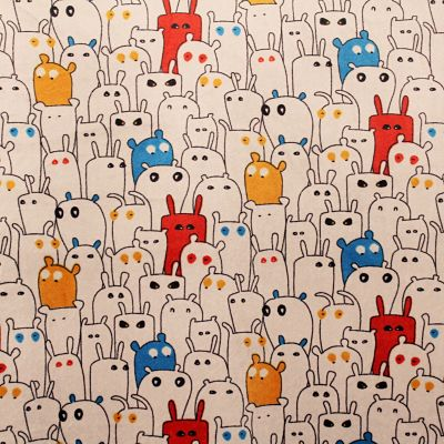 doudou-animaux-velours-pyjama-rouge-jaune-bleu-animaux