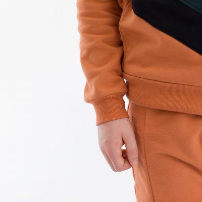see-you-at-six-leaf-bord-cote-orange